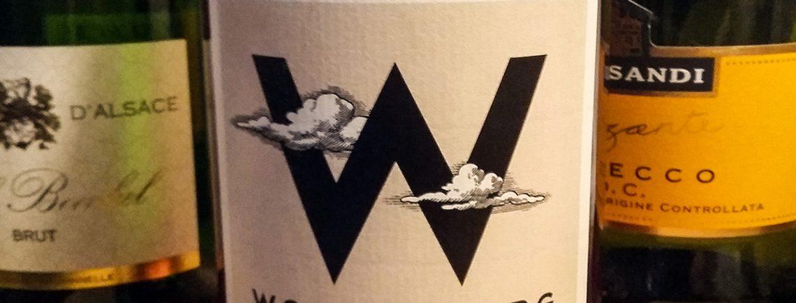Weinflasche mit Etikett vom Wolkenberg